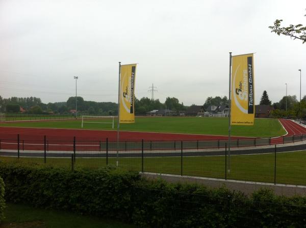 März 2012: Neubau Sportanlagen in Nütterden