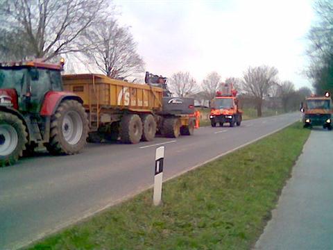 Baumwurzelbeseitigung im Auftrag Straßen NRW