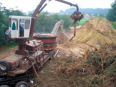 1. Juni 2007: Holzschredder – Wurzelstöcke, Stammholz, Abfallholz, Astwerk aller Art und Durchmesser