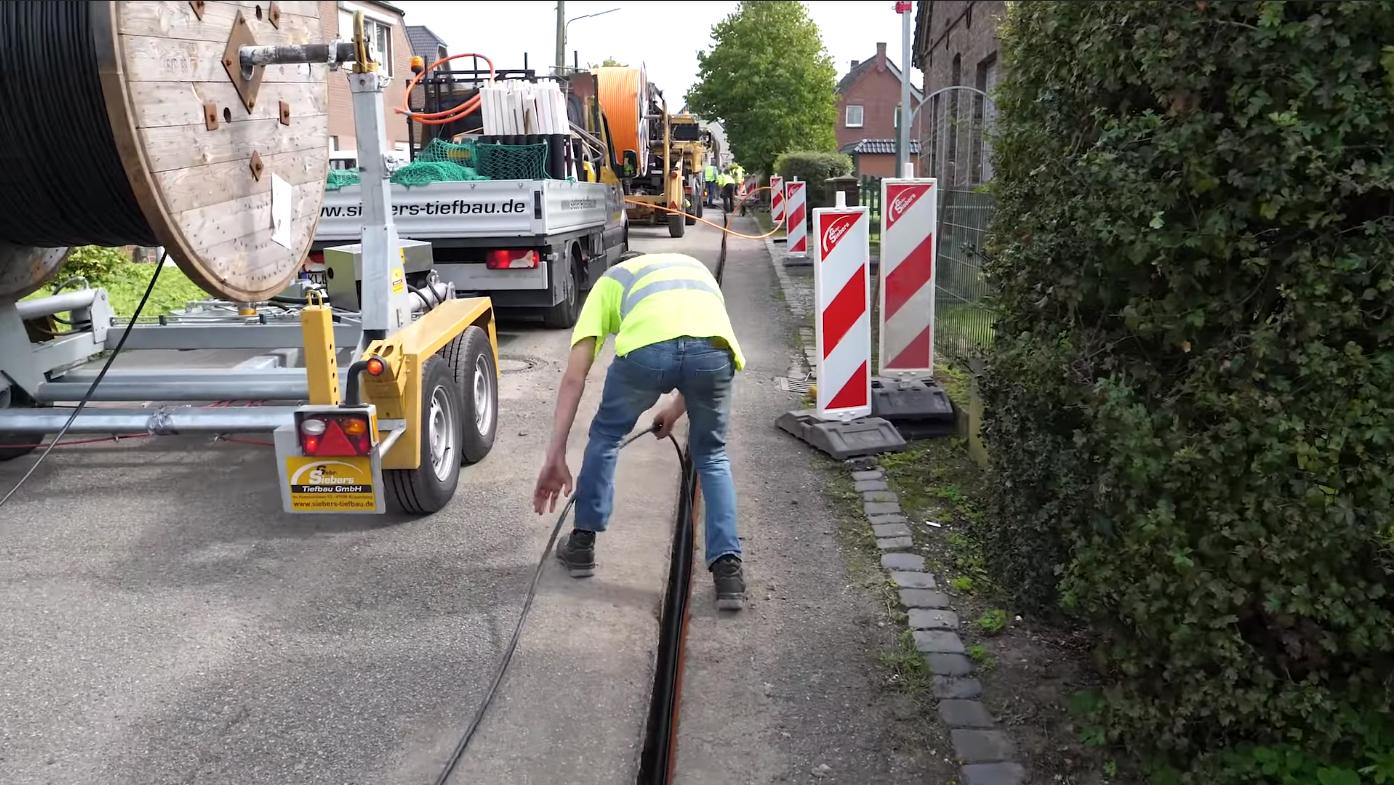 Trenching, DSL, Telekom - Kleve, Goch, Kranenburg - Gebrüder Siebers Tiefbau GmbH
