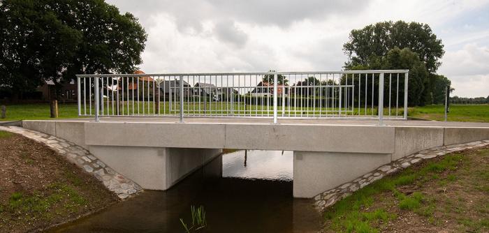 Stadt erneuert Brücken in Hassum